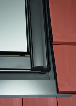 Roto Eindeckrahmen Rx wärmegedämmt 1x1 Schiefer durchgehende Seitenteile SDS 07/11 Designo Alu