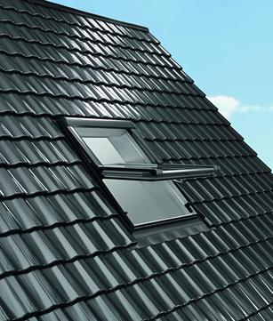 Roto Wohndachfenster WDF R69GK W WD 05/09 Alu Designo 3Comfort Schwingfenster Weiß