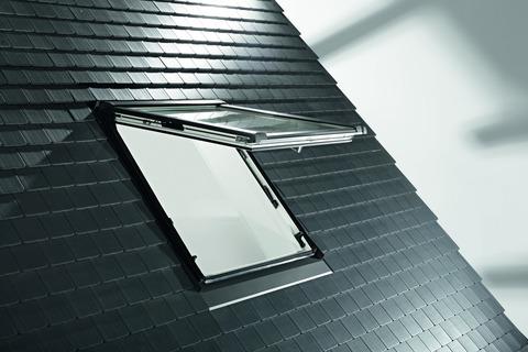 Roto Wohndachfenster WDF R85K weiß wärmegedämmt 05/09 54/ 98 cm Designo BlueLine Klapp-Schwing-Fenster Alu