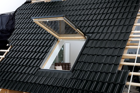 VELUX Wohn- und Ausstiegsfenster Holz GTL SK08 3070 114x140 cm klar lackiert Thermo Aluminium