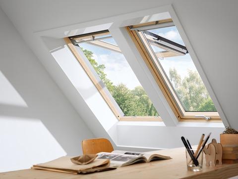 VELUX Klapp-Schwing-Fenster Holz GPL FK08 3070 66x140 cm klar lackiert Thermo Aluminium