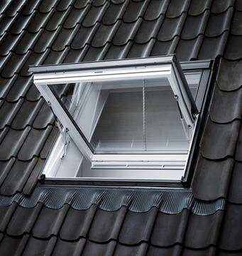 VELUX Schwing-Fenster Kunststoff GGU SK08 007040 114x140 cm Polyurethan Thermo Rauchabzugsfenster Aluminium