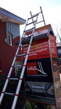 LeiKoSi Leiterkopfsicherung für Anlegeleiter extra tiefe Sprossen maximal Höhe 34 mm x Tiefe 50 mm Verzinkt