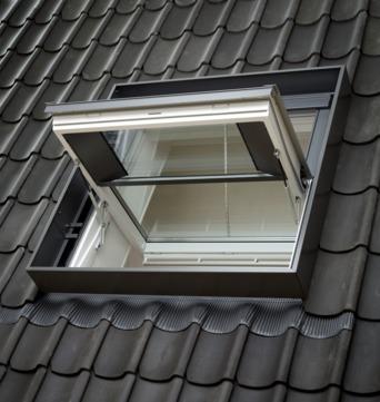 VELUX Schwing-Fenster Holz GGL PK06 SD00404 94x118 cm weiß lackiert Energy Plus Rauch-Wärmeabzug Aluminium