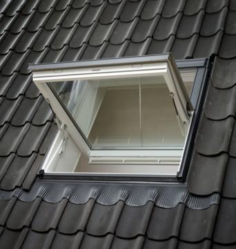 VELUX Schwing-Fenster Kunststoff GGU PK08 006640D 94x140 cm Polyurethan Energy Plus Rauchabzugsfenster Aluminium