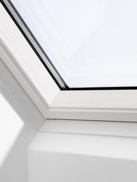 VELUX Schwing-Fenster Holz GGL SK06 306821 114x118 cm klar lackiert Energie Integra Elektrofenster Aluminium