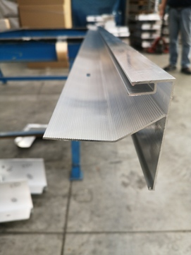 DWS Pohl Dachrand Rasant 100 Blende Symat Einzelpreis für Blende Aluminium